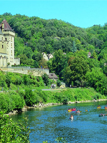 Gentle canoeing holidays in France